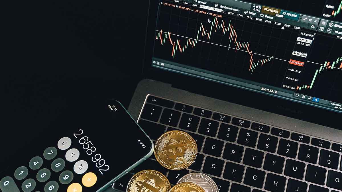 Bitcoin sackt um bis zu 15 Prozent ab