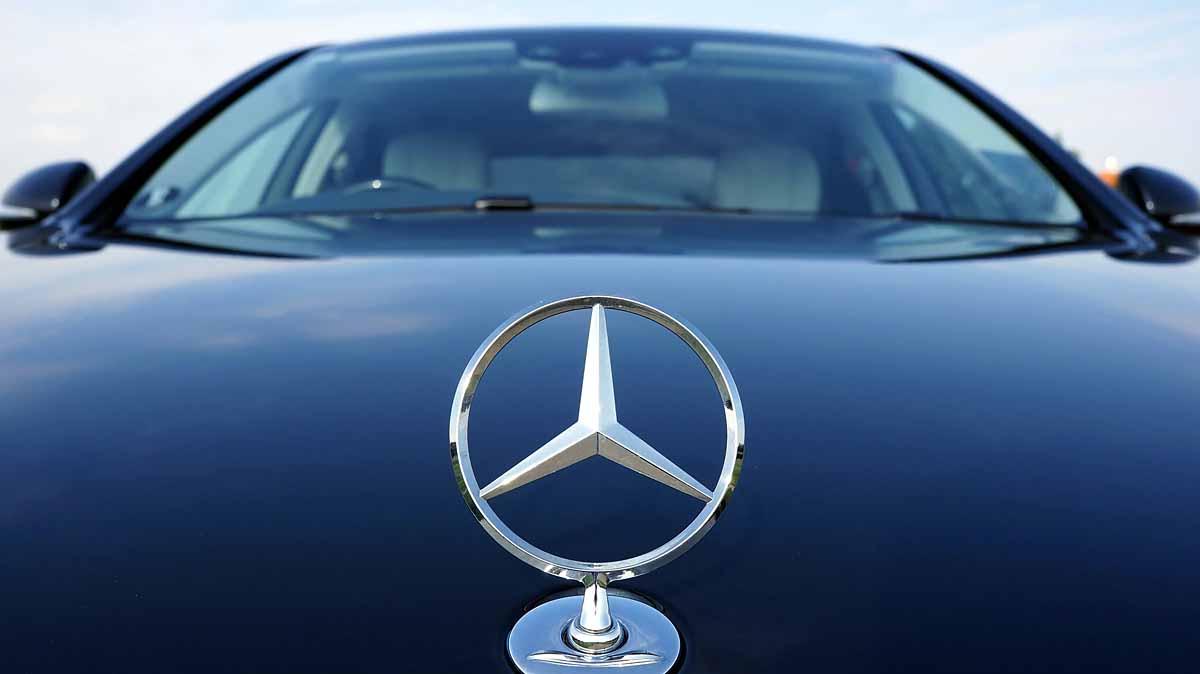 Daimler strebt umstrittene Dividendenerhöhung an