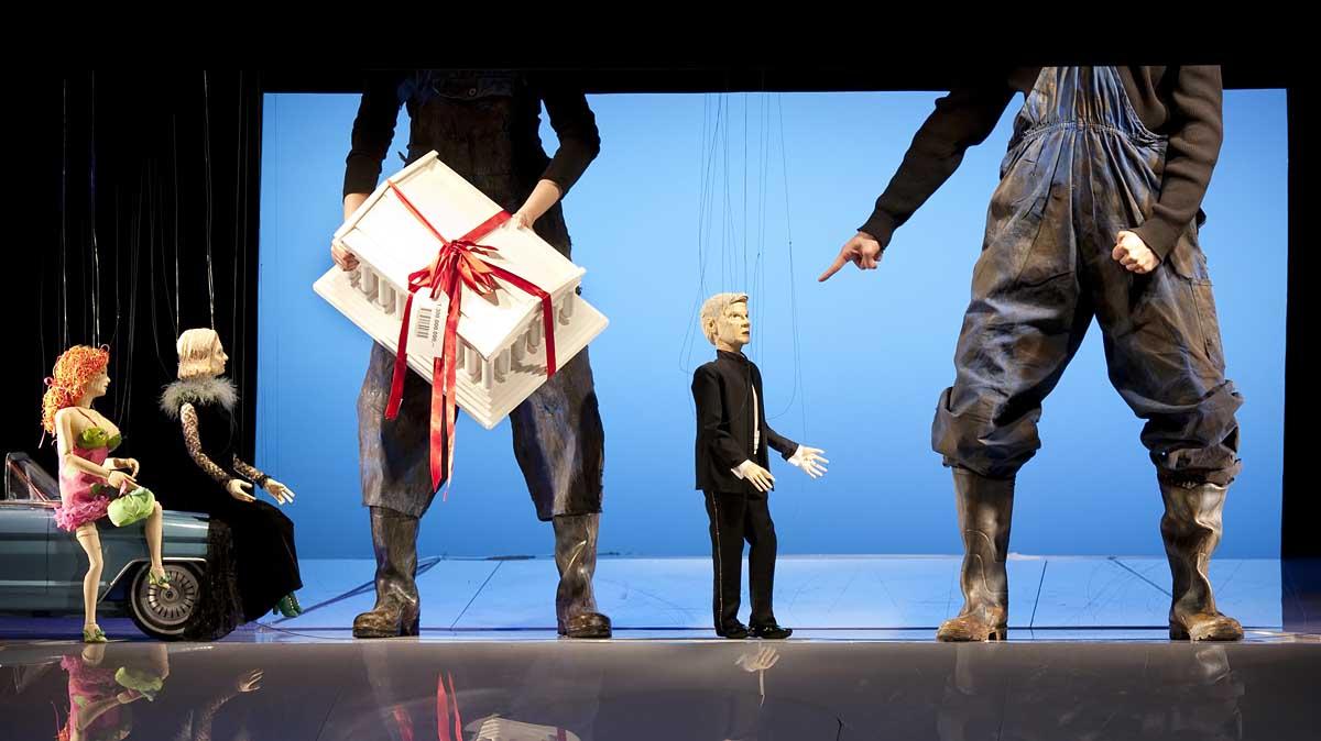 """""""Theater hat der Gesellschaft etwas zu geben"""" – Carl Philip von Maldeghem im Gespräch"""